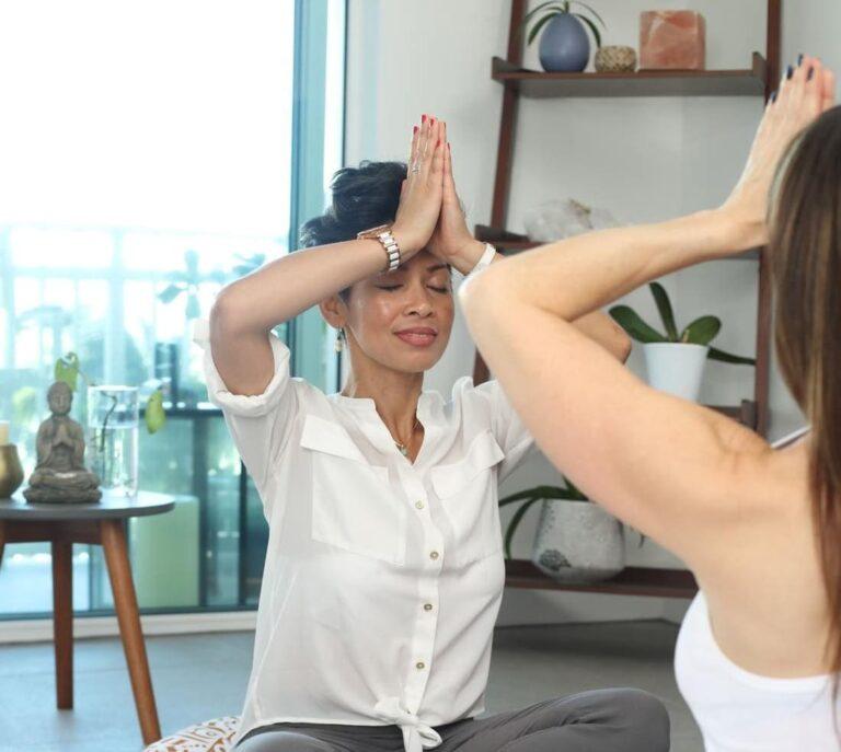 cours privé yoga à la maison - Prayana Yoga