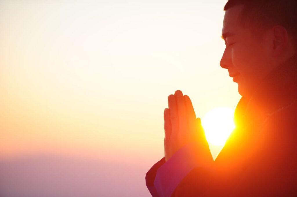 yoga prayana - les 4 moments essentiels de ta pratique de yoga